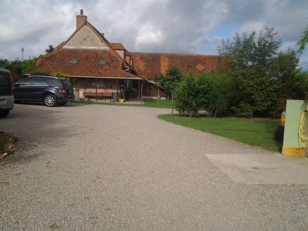 Aire camping-car à Buxières-les-Mines (03440) - Photo 5